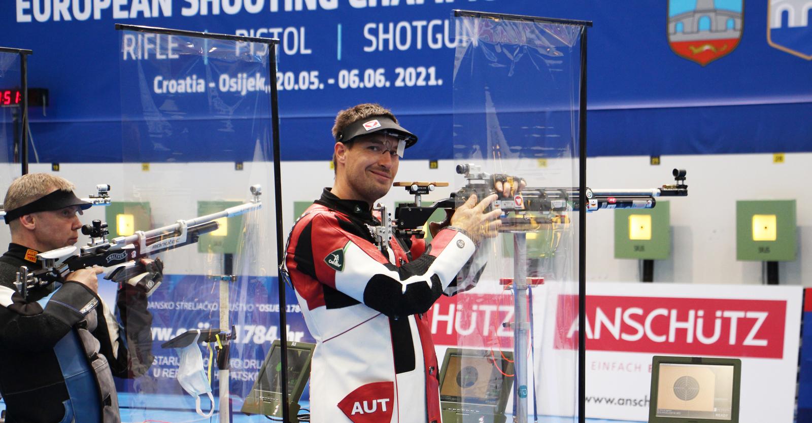 Martin Strempfl mit dem Luftgewehr © Margit Melmer, ÖSB