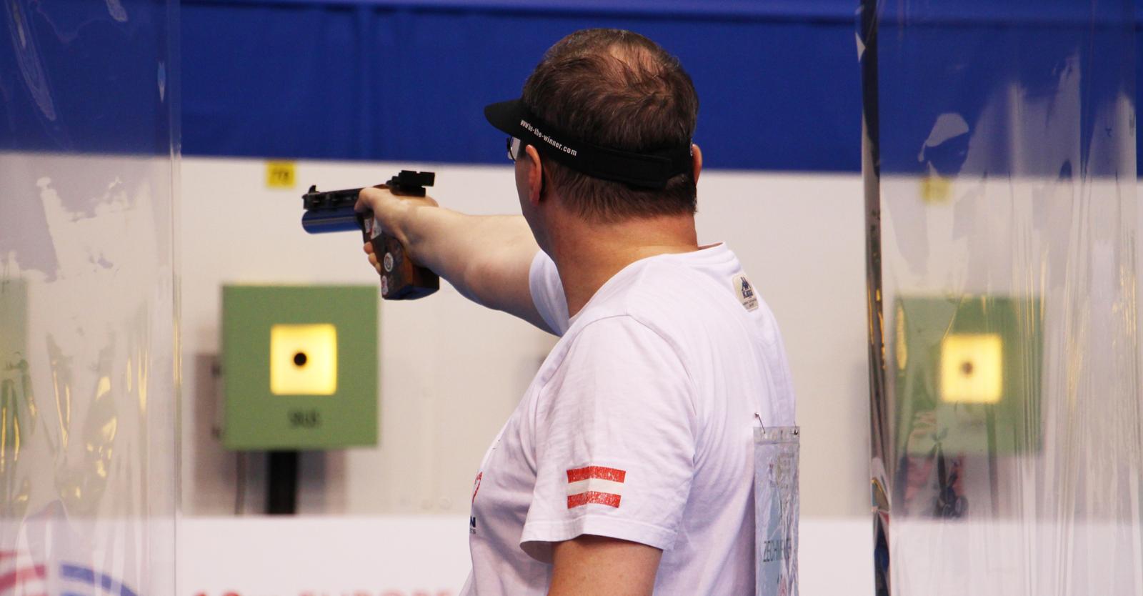 Richard Zechmeister im EM-Luftpistolenbewerb der Männer © Margit Melmer, ÖSB
