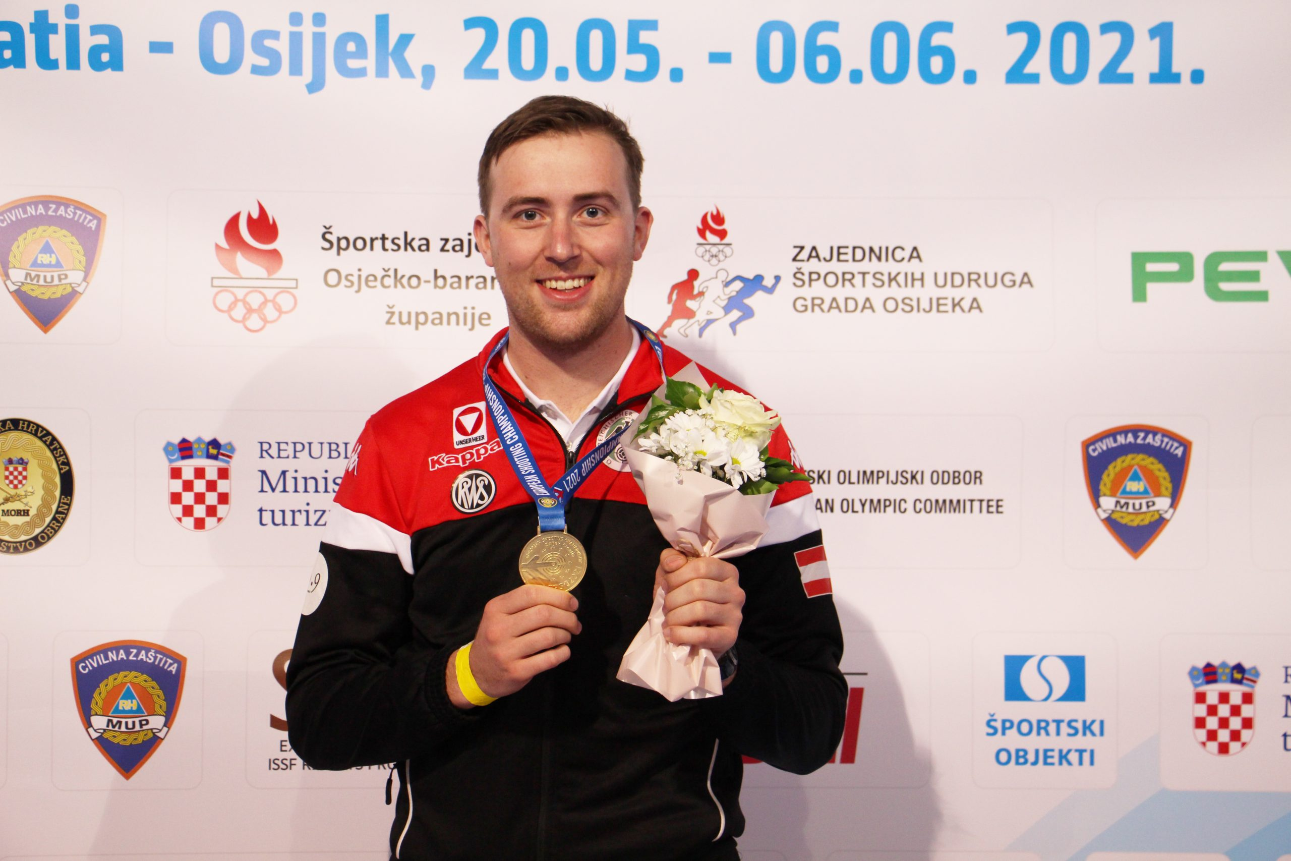 Gernot Rumpler neuer Europameister im 300m-Gewehr Liegend mit eingestelltem Weltrekord © Margit Melmer, ÖSB