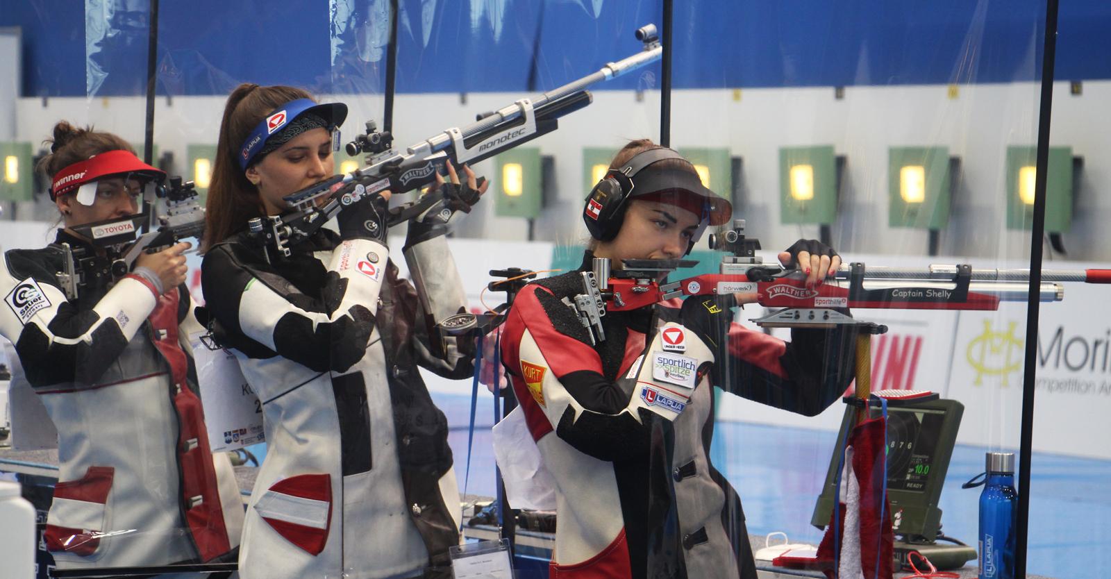 Den ÖSB-Luftgewehr-Frauen Hofmann, Köck und Waibel gelang beim ISSF WC Osijek die Finalqualifikation im Teambewerb © Margit Melmer, ÖSB