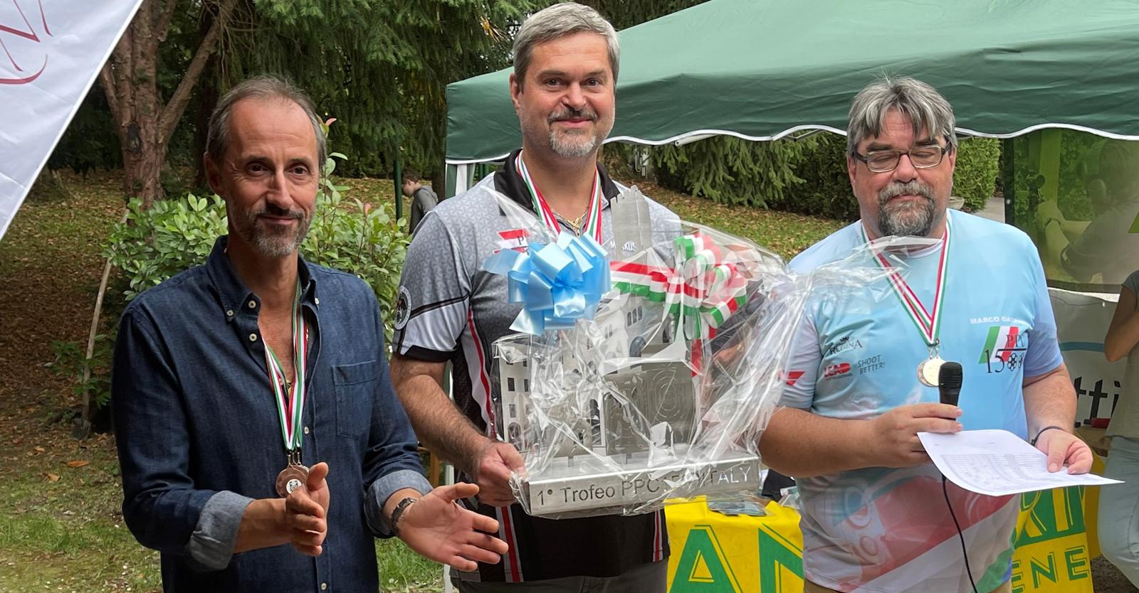 Markus Borz vom SC Offenhausen (Mitte) gewann die Trofeo PPC1500 Italy © Karin Damberger