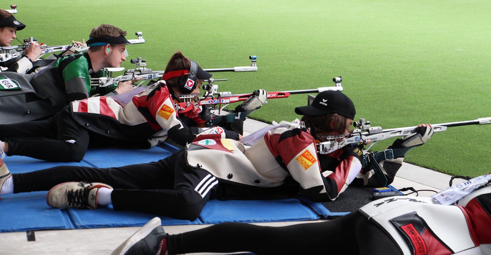Das erfolgreiche Geschwisterpaar Sheileen und Kiano Waibel schießt sich in Lima ins Bronze-Medal-Match des KK-Liegend-Mixed- Teambewerbs © Margit Melmer, ÖSB